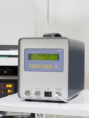 専用のガス測定機
